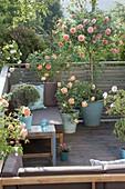 Rose balcony with lounge corner