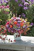 Autumn bouquet 'quer durch den Garten', Aster, Physalis