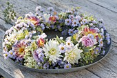 Wreath made of Dahlia, Aster, Rosa, Hydrangea