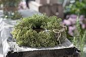 Autumn wreath of fennel (Foeniculum) seeds