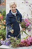 Use Montbretien prunings in an autumn bouquet
