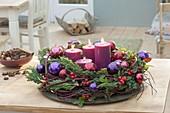 Advent wreath in berry colors: Cornus, Juniperus