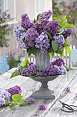 Syringa (lilac) tone-on-tone, as bouquet and as wreath