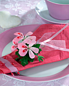 Serviette Deco with geranium flowers (Pelargonium)