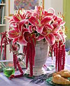 Lilium hybrid 'Stargazer', Amaranthus (Foxtail)