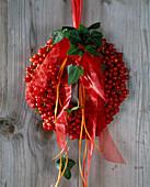 Viburnum trilobum berries wreath, (snowball)