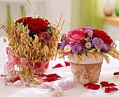 Rosen mit Ähren und Astern herbstlich dekoriert