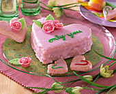 Hearts with pink frosting and marzipan roses, Fritillaria