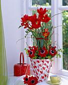 Tulipa 'Crispa' (tulip), Freesia 'Orangina' (freesia), anemone