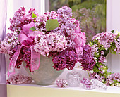 Syringa vulgaris bouquet and wreath, Galium odoratum