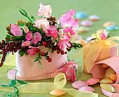 Lathyrus odoratus (sweetpea), rose (rosehip)
