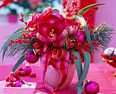 Weihnachtlicher Strauß mit Amaryllis