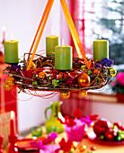 Hanging Advent wreath with Clematis-Waldrebenranken, tree balls, felt bag