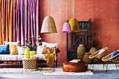 Orientalisches Wohnzimmer in Gewürzfarben