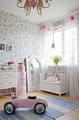 Charming girl's bedroom in pink