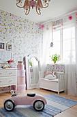 Romantisches Mädchenzimmer in Rosa
