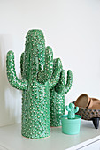 Arrangement of ceramic cacti