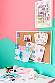 Bicoloured walls in mint and pink in child's bedroom