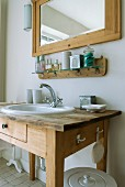 Sink integrated in old washstand