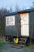 Builder's trailer converted into tiny house in winter