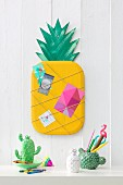 DIY pineapple memo board