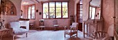 Wohnzimmer im französischen Stil in Beige
