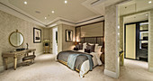 Luxurious master bedroom, Ten Trinity Square, London