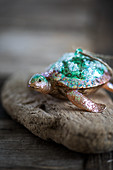 Turtle-shaped Christmas bauble