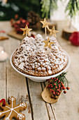 Christmas-tree bundt cake