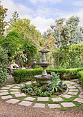 Rondell mit Springbrunnen