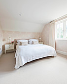 Elegant bedroom in shades of champagne