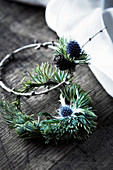 Small wreaths of larch and ceder twigs