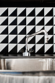 DIY, black-and-white splashback behind sink