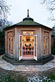 Achteckiger Gartenpavillon