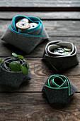 DIY buttons baskets made of felt