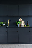Black fitted kitchen