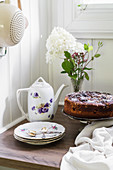 Cake and vintage-style crockery