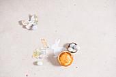 Kleine Torta Pasqualina, Drageeeier und selbstgebastelte österliche Papierdeko