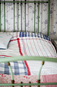 Country-house-style bed linen handmade from various fabrics