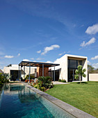 Modern, architect-designed house with swimming pool and garden