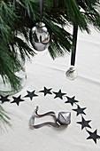 Weihnachtsbaumanhänger in Silber