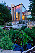 Luxury Home Garden and Pond, Dallas, Texas, USA