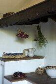Ablageflächen in einer rustikalen Küche