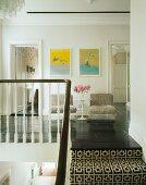 offene k che mit gelber glaswand bild kaufen 11014671 living4media. Black Bedroom Furniture Sets. Home Design Ideas