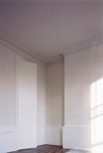 Grand room with stucco frieze on walls