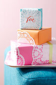 Gift boxes decorated with doilies