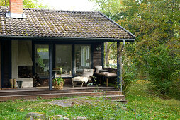 Summerhouse in the country with furnished veranda and garden