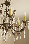 Chandelier with crystal droplets