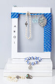 Jewellery rack made form picture frame and ship's rope