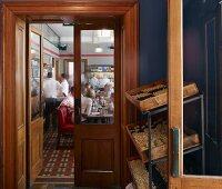 Eingangsbereich im Restaurant Jamies Italian Cheltenham, England